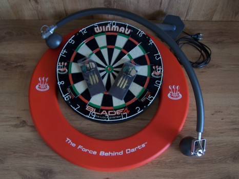 Darts set met DBV-BULL dartbordverlichting