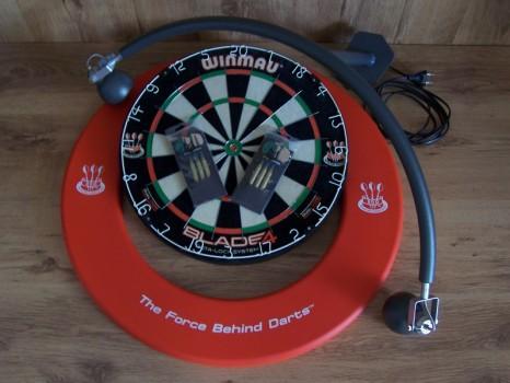 Darts set met DBV-BULL dartbordverlichting